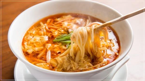 栄林のサンラータン麺